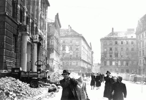 Vienna 1945
