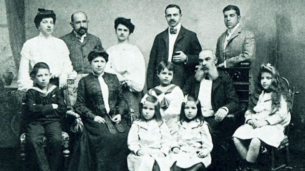 The Gallia-Hamburger Family at the beginning of the 20th Century