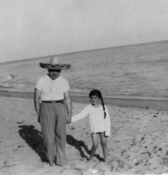 Zeisl and daughter Barbara on the beach