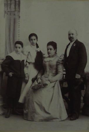 The Toch Family around the time that Toch decided to become a composer: 1897
