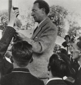 Ernst Busch at the Workers' Chorus Olympics 1935