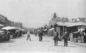 Vienna's Naschmarkt, or main market before the First World War - Vienna as melting pot of different cultures