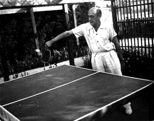 Schoenberg playing ping-pong