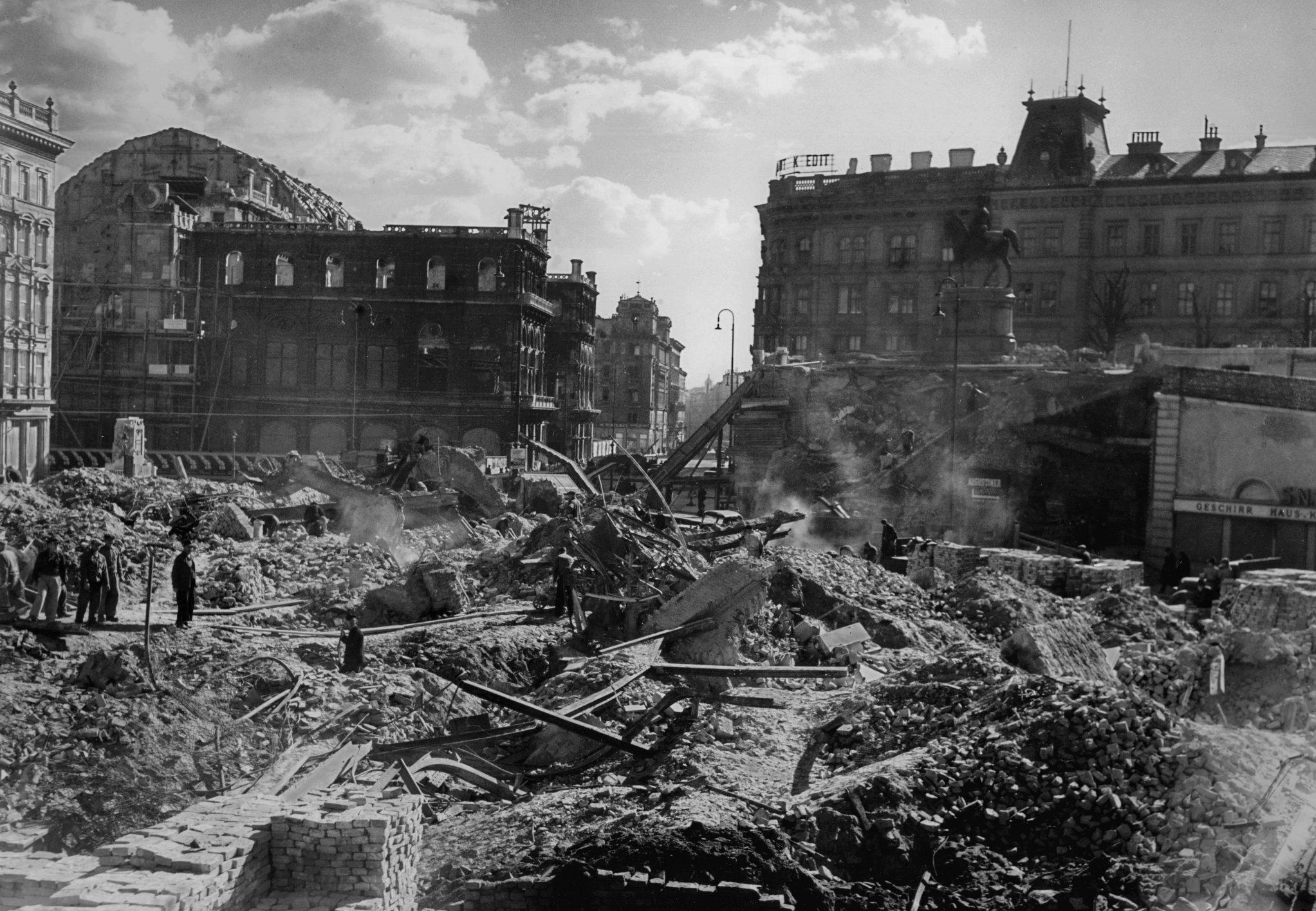 vienna-1945.jpg (2045×1415)