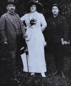 Family 1911 (HK)
