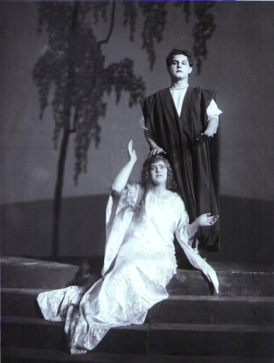 Lotte Lehmann and Jan Kiepura in Korngold's 'Das Wunder der Heliane' in Vienna in 1927