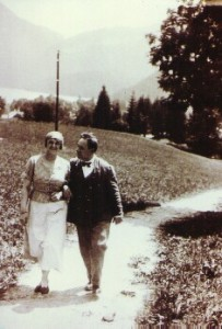 Erich Wolfgang and Luzi on their honeymoon, 1924