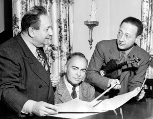 Erich Wolfgang Korngold, pianist Emanuel Bay and Jasha Heifetz rehearsing the concerto