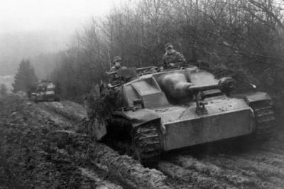 Though this is a photo from the Ardennes Offensive, Gedye believes that the lack of petrol along with mechanical failures meant the Wehrmacht was stuck for nearly two days between Linz and Vienna, offering the British and French an ideal opportunity of applying pressure on Hitler and blocking the Annexation