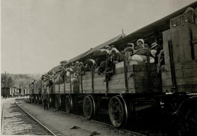 Refugees arriving in Vienna from the East of the former Empire