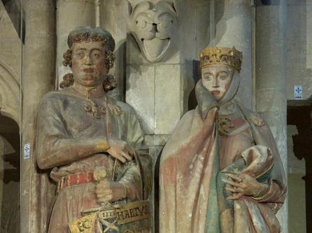 Architektur-Die-bekanntesten-Stifterfiguren-Uta-r-und-Ekkehard-l-im-Naumburger-Dom